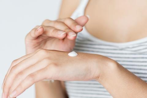 como disminuir la pecas de las manos