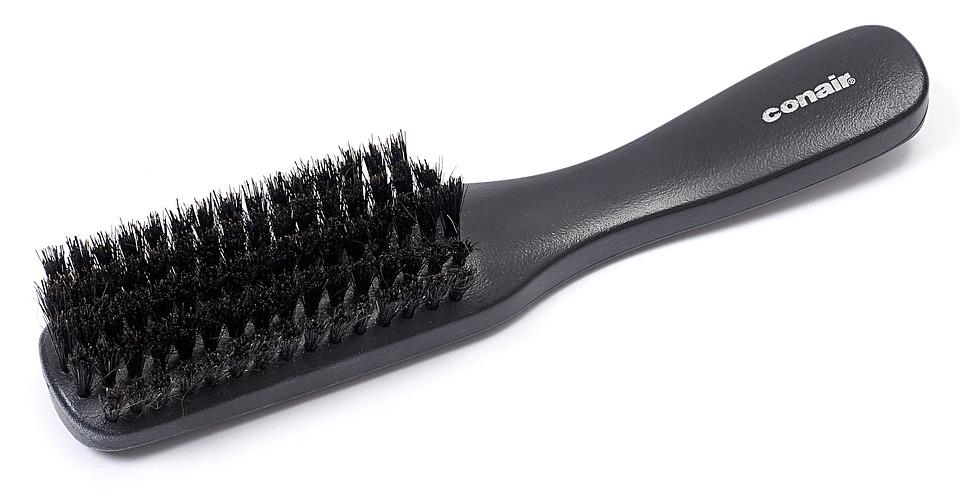 cepillo para hombre